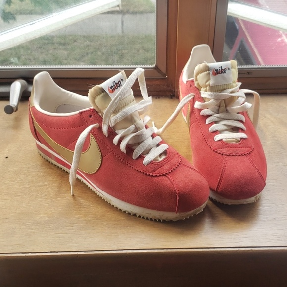 official photos 77173 2b424 Nike Cortez ( limited)